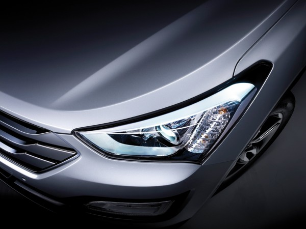 Xenonstrålkastarna ger bilen en härlig attityd.