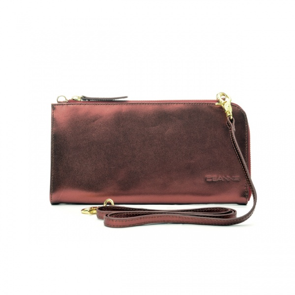 Väska Metallic Clutch Bag, 1 749 kr, Ceannis.