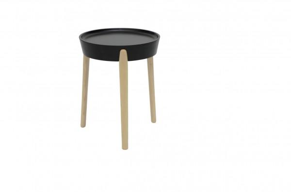 Det lilla extrabordet Coccola med vändbar bordsyta designad av Luca Nicetto för David Design.